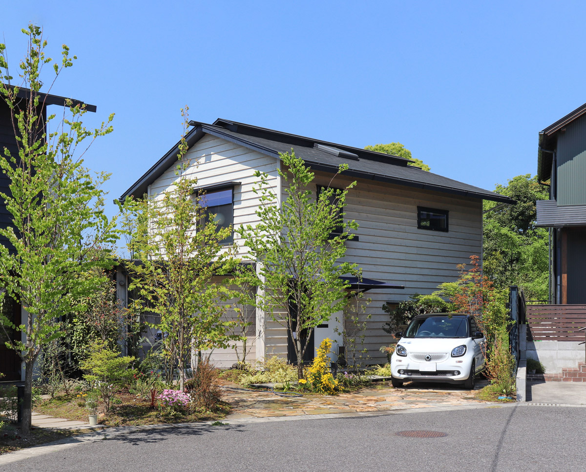 鹿児島市桜ケ丘で完成見学会 住宅密集地*街を彩る家