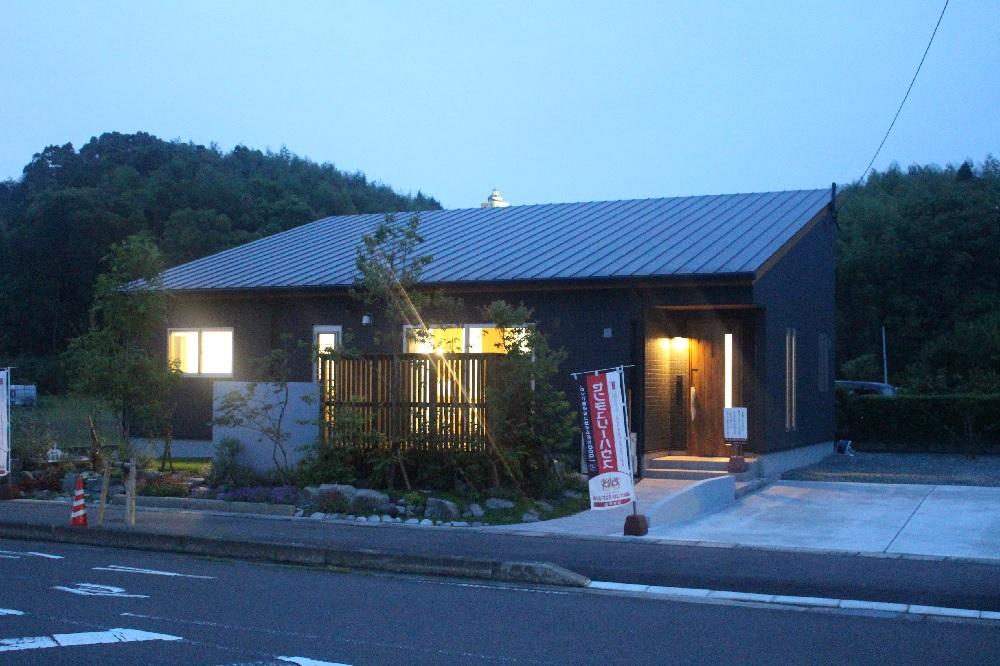 薩摩川内市天辰町で夜のモデルハウス見学会