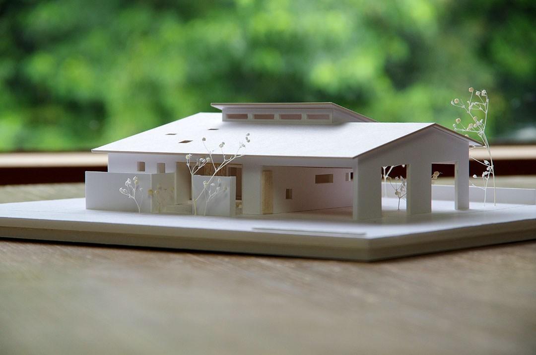 姶良市で予約制完成見学会 川と山を眺める、特等席のある家