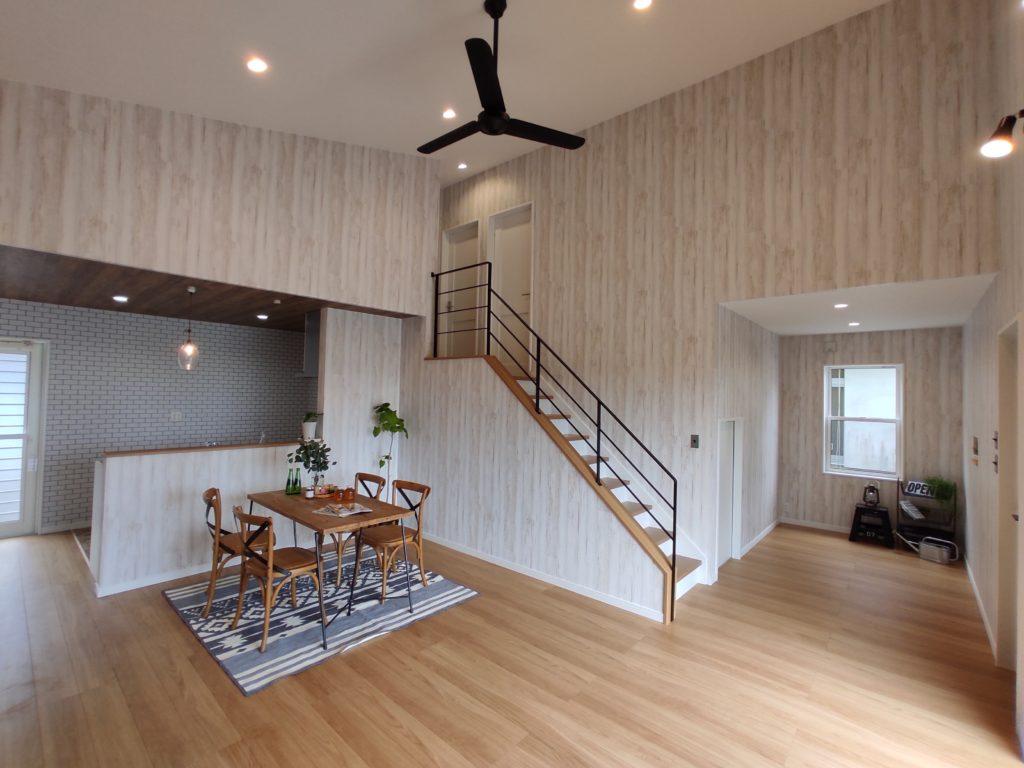 姶良市西餅田で完成見学会 中二階のある平屋