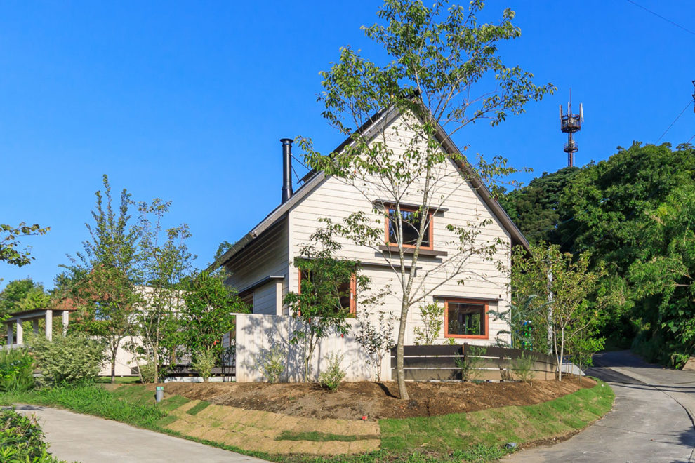 鹿児島市吉野町で 築1年「とんがり屋根の白い家」 暮らしの見学会