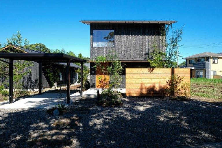 鹿児島市吉野町で完成見学会 居場所が散りばめられた二世帯の家