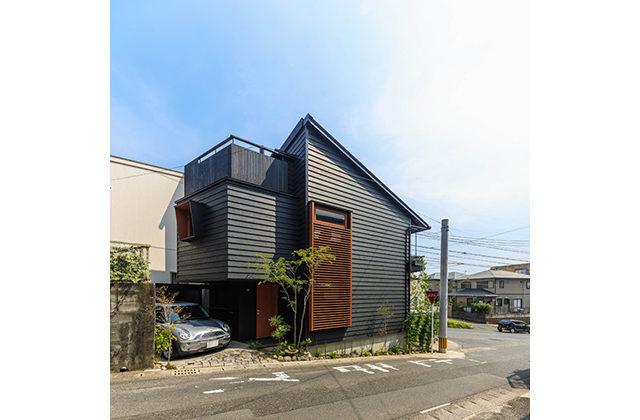 鹿児島市紫原で完成見学会 密集地で明るく 朝陽を招く家