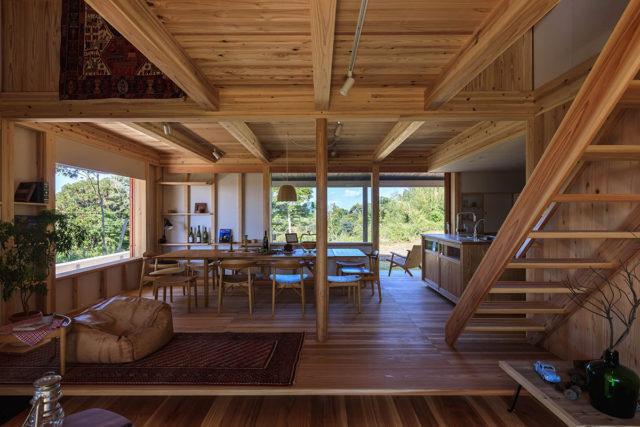 鹿児島市吉野町で暮らしの見学会 築半年、雑木林に暮らす仲間が集う家