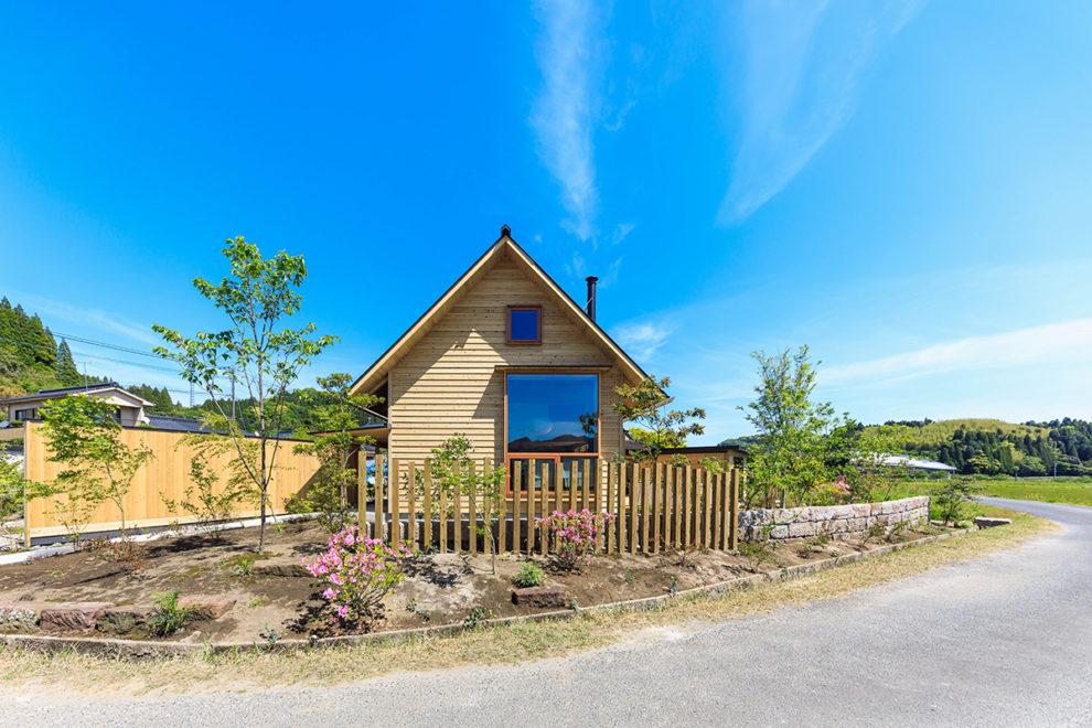 鹿屋市上谷町で完成見学会 三角屋根の心温まる優しい家   シンケン