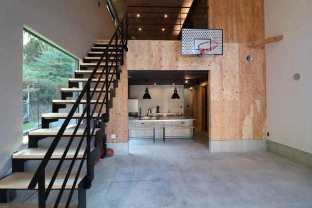 鹿児島市和田2丁目でオーナー様邸見学会 1階全部土間‼大空間吹き抜け!家の中にバスケットコート!? | 感動