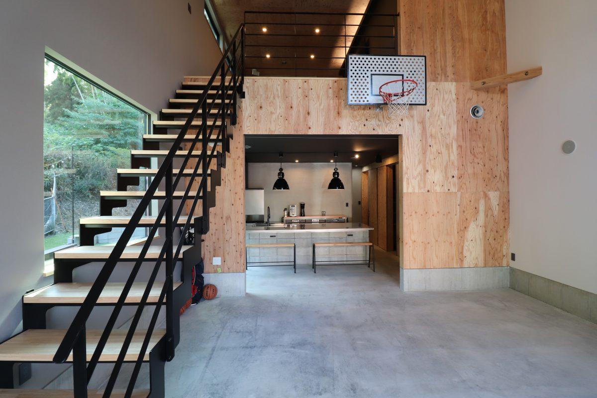 鹿児島市和田2丁目でオーナー様邸見学会 1階全部土間‼大空間吹き抜け!家の中にバスケットコート!?   感動